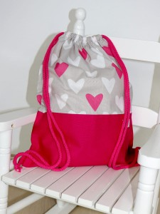 Sack-backpack - Heart and gray (1)